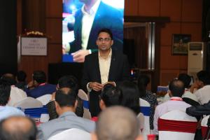 Keynote Speaker in India - Anand Munshi